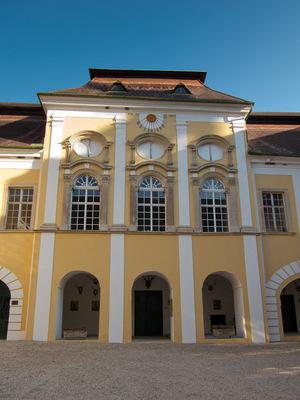 schloss_gobelsburg-2.jpg